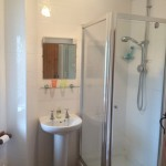 bed-and-breakfast-south-downs-sussex-uckfield-lewes-bathroom-0347Sharpe