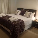 bed-breakfast-essex-frinton_on_sea-the-old-surgery-double-ensuite-1909Larwood