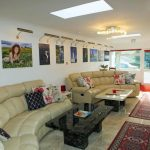 Large lounge of Cornish Gallery self catering