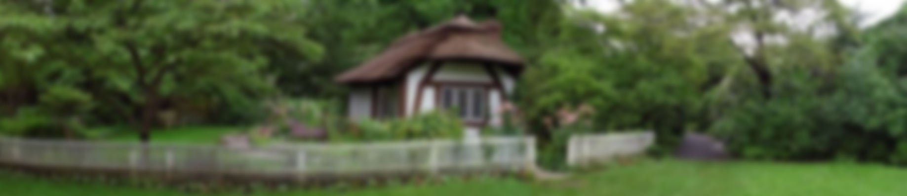 slide-cottage-blur
