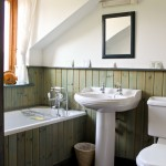Knapps Farm B&B Shepton Mallet Somerset bathroom 1914Mead