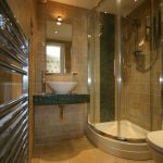 bed-breakfast-Pembrokeshire-St_Davids-Ramsey-House-luxury-bathroom-1956ellison