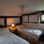 bed-and-breakfast-surrey-cranleigh-high-edser-twin-2046Franklin-Adams