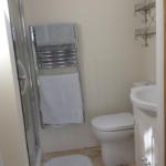 2117Cornell_bathroom2