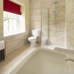 2124Turner_bathroom