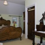 wales-bed-breakfast-cardiff-warren-mill-farm