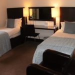 bed-breakfast-scotland-edinburgh-aaron-glen