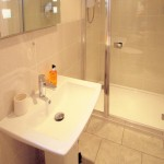 B&B Loughborough Leicestershire Bathroom Lavender1771