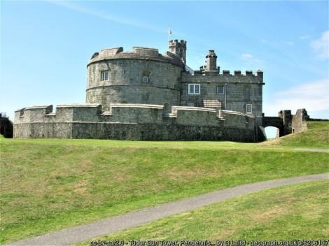 """Pen Dennis Castle – A """"Must Visit"""" Site at Falmouth"""